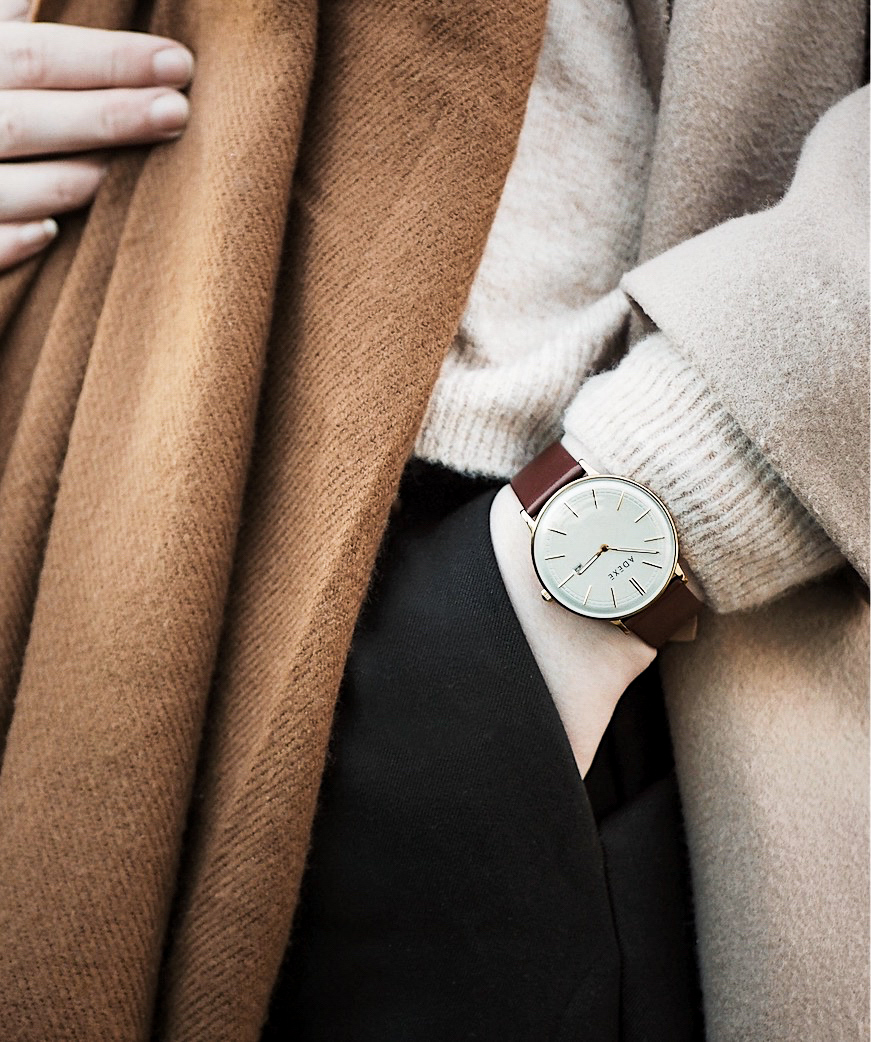 ADEXE Watch: Time for Christmas (with discount code!)